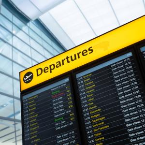 10 vārdi angļu valodā saistīti ar lidostu